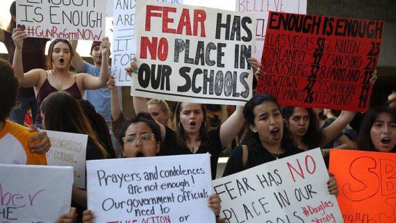 Parkland armes à feu manifestations élèves hommage