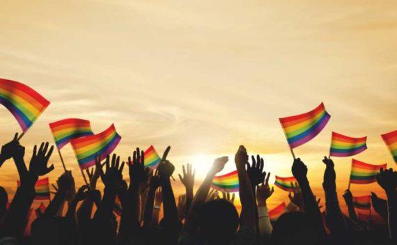 Starkville Mississippi menacée poursuites refusé Gay Pride