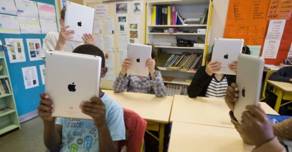 lecture écran manuels scolaires TICE école apprentissage efficaces