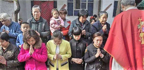 prêtre chassé paroisse Chine Persécution catholiques fidèles communiste