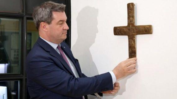 Bavière ordonne installer croix tous bâtiments administratifs