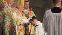 Aux Etats-Unis, la plupart des vocations au sacerdoce viennent des familles où l'on pratique l'école à la maison