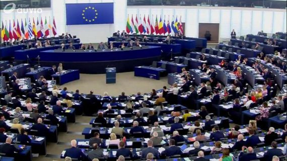 Parlement europeen resolution sanctions Hongrie elections Orban