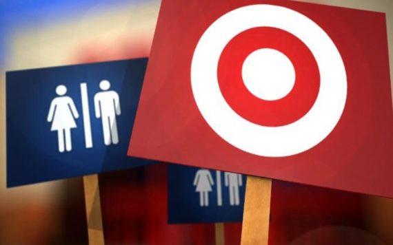 exhibitionnistes profitent toilettes non genrées