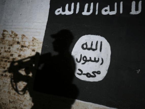 migrants signalent membres groupes terroristes