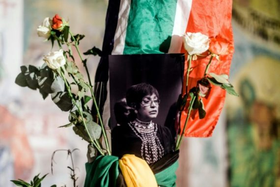 mort Winnie Mandela raciste communiste Nation Arc ciel Mère