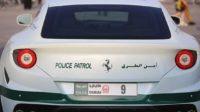 Dubaï met en place des plaques d'immatriculation digitales qui permettent à la police de suivre les véhicules à la trace