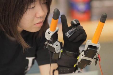 Un gant « intelligent » pour améliorer l'homme…