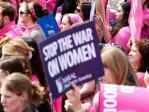Le combat féministe toujours plus hystérique – au détriment des hommes