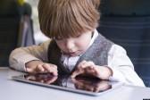 Calmer les enfants avec un iPad, c'est compromettre leur développement
