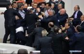 La photo: Cinq parlementaires de l'opposition turque blessés