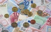 L'euro s'enfonce toujours face au dollar