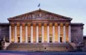Assemblée nationale: la commission des affaires sociales supprime le délai de réflexion de sept jours pour l'IVG
