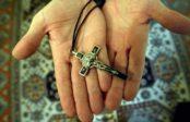 Burgos: un prêtre arrêté après avoir pratiqué 13 séances d'exorcisme sur une mineure anorexique