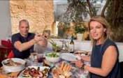Le ministre grec des Finances «regrette» son roman photo dans Paris Match