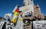 La photo: la parade des anciens de la Waffen SS «désinfectée»