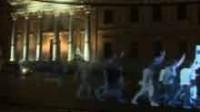 Une manifestation d'hologrammes pour dénoncer la nouvelle loi liberticide en Espagne