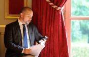 Nomination de Christian Gravel, proche de Manuel Valls, au poste de préfet hors cadre