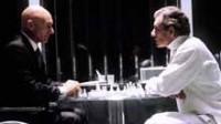 Différences hommes-femmes: les hommes sont meilleurs que les femmes aux échecs, selon le grand maître Nigel Short