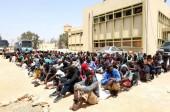 Migrants de Méditerranée: couler les bateaux de passeurs ou instaurer des quotas?!