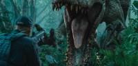 """""""Jurassic World"""" relève de la fiction sur les dinosaures, mais met en scène de manière réaliste l'usage militaire des manipulations génétiques"""