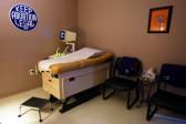 """Au Texas, """"Roe v. Wade"""" est quasiment mort: la moitié des cliniques d'avortement devraient fermer leurs portes"""