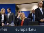 Banco! Marine Le Pen a constitué un groupe au Parlement européen. Pourquoi maintenant?
