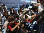 Un bateau de MSF, surchargé de clandestins, interdit d'accoster en Sicile en raison d'un manque de place