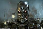 Le professeur Stuart Russell, scientifique reconnu, craint que l'intelligence artificielle ne devienne un danger pour l'humanité