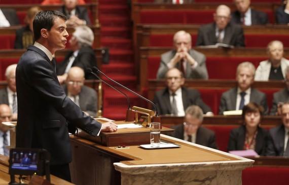 Etat islamique: Manuel Valls «annonce» des attentats terroristes aux armes chimiques