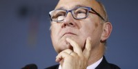 Le ministre des Finances Michel Sapin se félicite d'une croissance à 1,1%