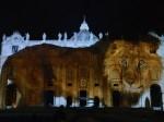 """«Sacrilège»: la projection New Age de """"Fiat Lux, illuminer notre Maison commune"""" sur la basilique Saint-Pierre"""