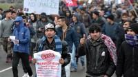 """Manifestation à Calais en soutien aux migrants du camp de la """"Jungle"""", réclamant """"des conditions d'accueil dignes"""", le 23 janvier 2016."""
