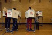 Primaires à New York: victoires de Trump et Clinton malgré d'importantes irrégularités