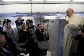 Le pape assure qu'il faut «demander pardon» aux homosexuels, aux femmes, aux enfants.<br>Et il parle de Luther