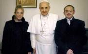 Le pape accuse la théorie du genre mais appelle «homme» une femme ayant changé de sexe