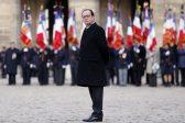 François Hollande renonce.<br>Mais à qui obéit-il?