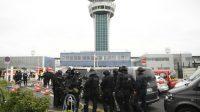 LE BILLETSoulagement à Orly après l'attentat: l'islamiste n'était qu'un fou. Analyse