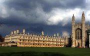 La chute des universités britanniques les plus prestigieuses dans les classements attribuée à la discrimination positive