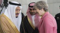 La Première ministre britannique Theresa May et le roi d'Arabie saoudite Salmane ben Abdelaziz Al Saoud, le 5 avril 2017 à Riyad.