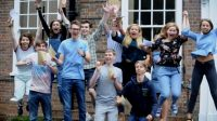 Célébration des résultats du A-level, à l'école King Edward VIà Bury St Edmunds.