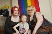 La première famille «gender fluid» du Royaume-Uni a les honneurs de la presse tabloïde