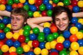 Des piscines à boules à l'université, trop bien!
