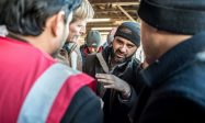 Plus de demandeurs d'asile, moins de porc à la cantine: la révolution remplaciste est cohérente