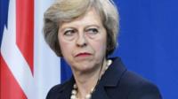 Période de transition plus longue pour le Brexit: Theresa May accusée de trahison