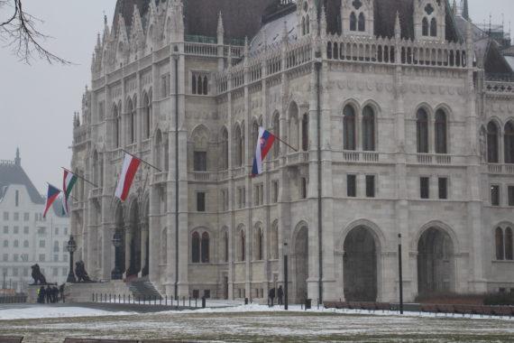 Réunion du groupe de Visegrad à Budapest: le V4 pour la défense des parlements, des valeurs chrétiennes et de la natalité face à l'immigration