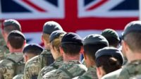 Les officiers de l'armée britannique sont avertis: leur promotion dépendra de leur «inclusivité»