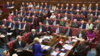 Adoption d'un amendement contre le Brexit par la Chambre des Lords: une pétition exige la suppression de cette assemblée non élue