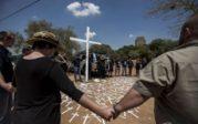 Ernst Roets (AfriForum) dénonce les expropriations et les assassinats de fermiers blancs par l'ANC communiste en Afrique du Sud