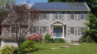 Totalitarisme vert en marche: la Californie impose des panneaux solaires sur toutes les nouvelles maisons